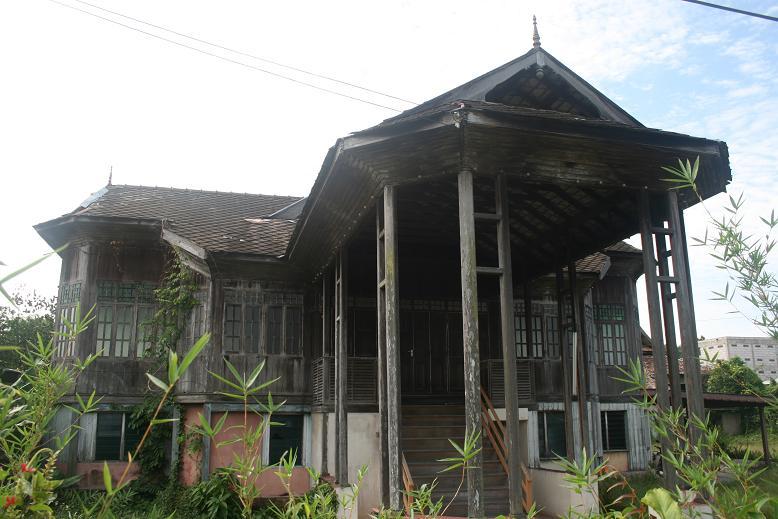 Pin Gambar Rumah Banglo Moden Graffiti Pelautscom on Pinterest